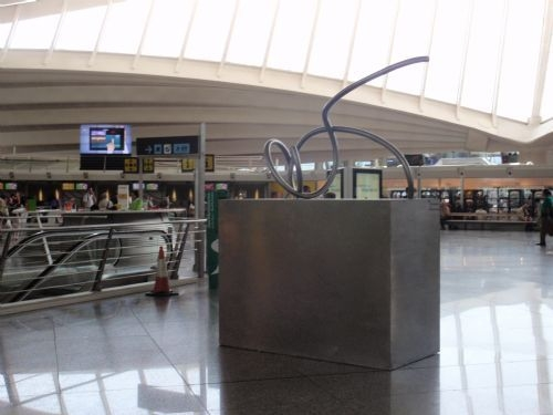 Aitor Urdangarín shows his sculptures at the airport of Loiu, Bilbao